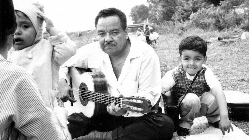 Hommage au Maestro de la chanson picaresque mexicaine : Álvaro Carrillo