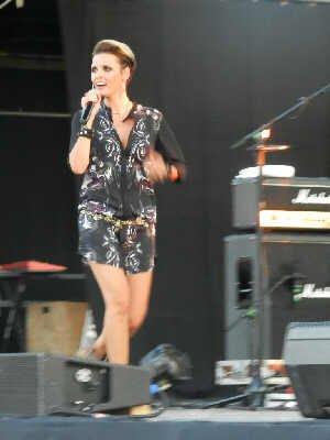 Pascal OBISPO (& Emily Lady) : son concert aux Nuits de Trets 2013 => Reportage