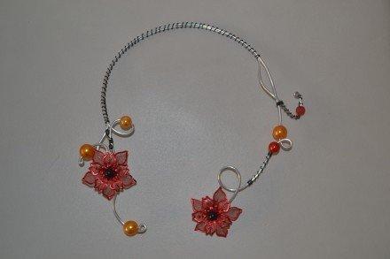 Collier fleurie rouge : Collier par changeline-crea sur ALittleMarket