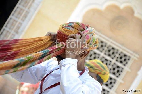 """""""Démonstration de nouage de turban"""" photo libre de droits sur la banque d'images Fotolia.com - Image 72275403"""