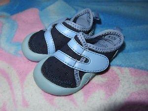 lot fille 3 paires de chaussures + 1paire de chausson p20/21 PROMOTION