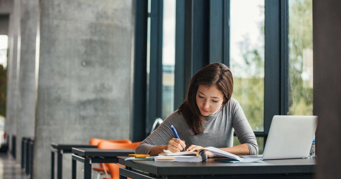 Étudier pour travailler au salaire minimum?