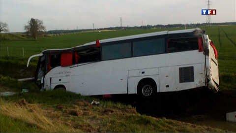 Vidéo Un mort dans un accident de car dans le Loiret - Actu