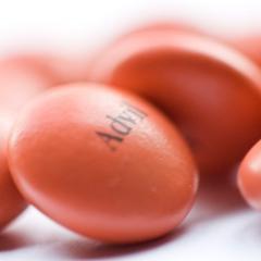 Comment l'ibuprofène peut réduire la fertilité chez les hommes