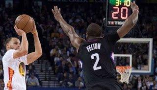 99-Bolabasket: Curry Menggila, Warriors Gasak Clippers di Oracle Arena