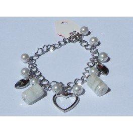 """Bracelet perles et pendentif """"coeur"""""""