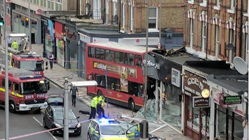 Un bus s'encastre dans un magasin à Londres: 10 blessés