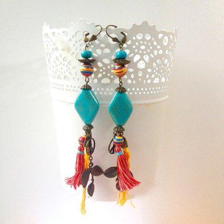 Boucles d'oreilles  bohèmes chic ethniques pompons et turquoise