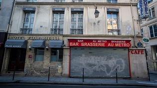 Où les Français attrapent-ils le Covid-19 ? Quatre choses à savoir à propos de l'enquête sur les lieux de contamination