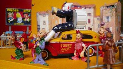 Matford, la voiture clown dés 1950 dans la Parade de Midi !