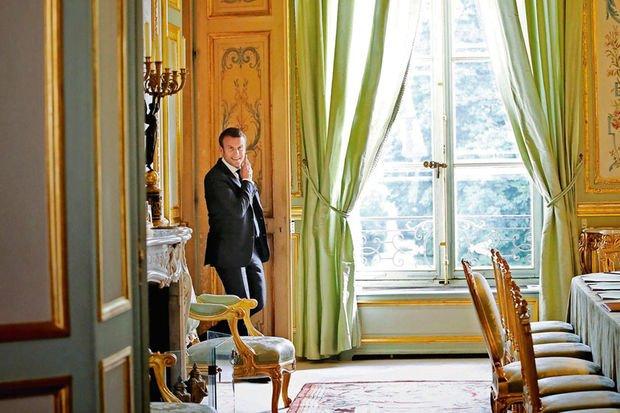 À quoi ressemble la vie quotidienne à l'Elysée sous Macron ?