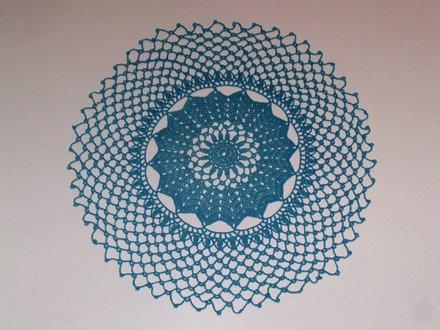 napperon femme fait main rond moderne décoratif pour table au crochet en coton dégrader bleu cadeau femme : Accessoires de maison par les-mille-merveilles-isa