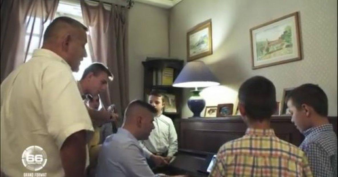 VIDEO   Une  rentrée-chez les-petits-chanteurs