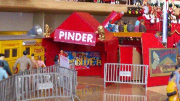 """Mon petit bricolage """" une tente pour l'entrée du Zoo du cirque..."""