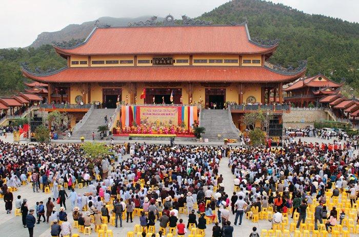 How to get to Ba Vang Pagoda | Halong Bay Vietnam