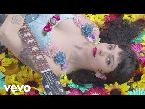 Mon Laferte - Amárrame ft. Juanes - LNO