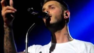 "M Pokora dévoile son clip live ""Hallelujah"""