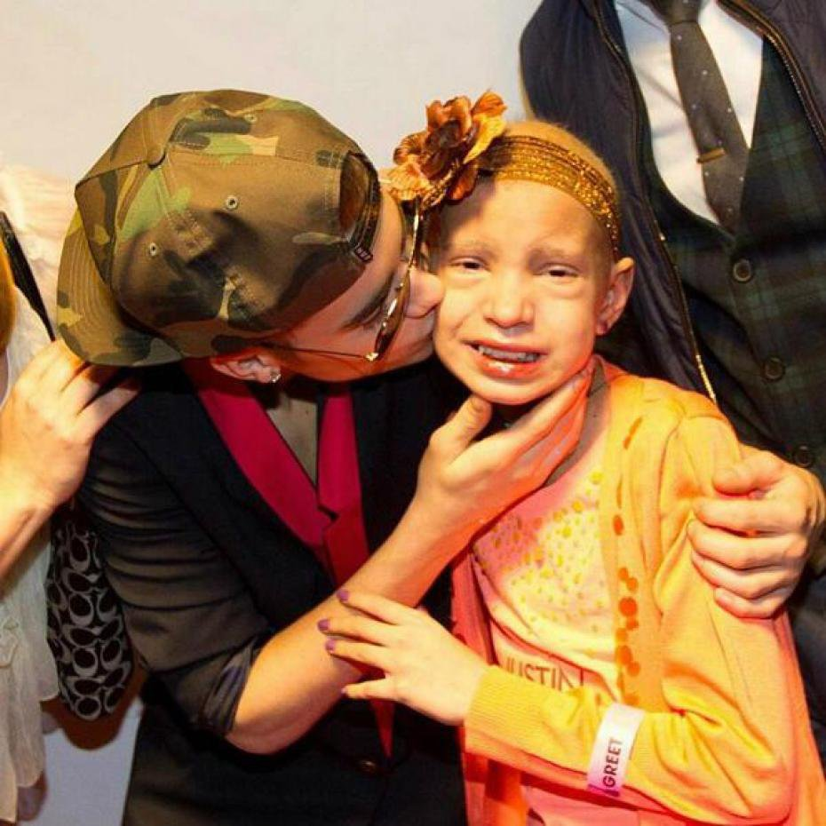 Justin Bieber rend hommage à Briana, la petite fille atteinte d'une leucémie