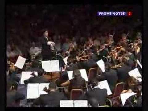 'Huapango' de José Pablo Moncayo, Orquesta Sinfonica Juvenil de Venezuela, dir. Gustavo Dudamel