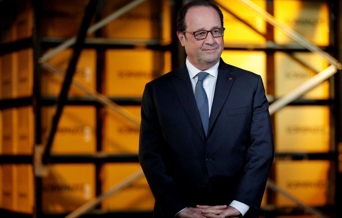 François Hollande appellerait à voter pour Nicolas Sarkozy face à Marine Le Pen