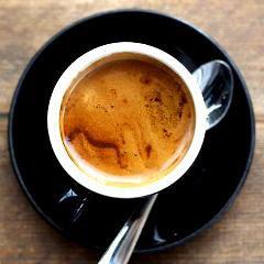 Le café fait vivre plus longtemps: étude avec un demi-million de personnes dans 10 pays