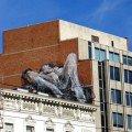 Bruxelles, le mystère de la bite géante (me faites plus chier avec vos centimètres...)