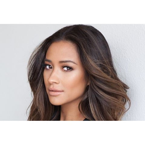 Shay Mitchell : sa chaîne YouTube on adore!