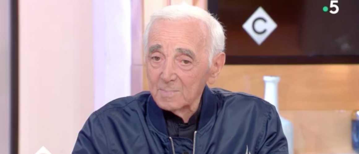 Mort de Charles Aznavour : la dernière interview du chanteur vendredi soir dans C à vous