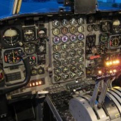 Le co-pilote d'un Boeing 737 s'endort en vol pendant que son pilote reste bloqué en dehors du cockpit