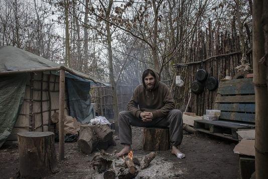 """A Vincennes, les """"hommes des bois"""" ont trouvé leur fragile refuge"""