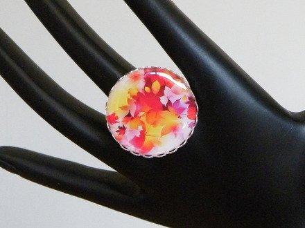 Bague réglable cabochon résine feuille colorés : Bague par jl-bijoux-creation