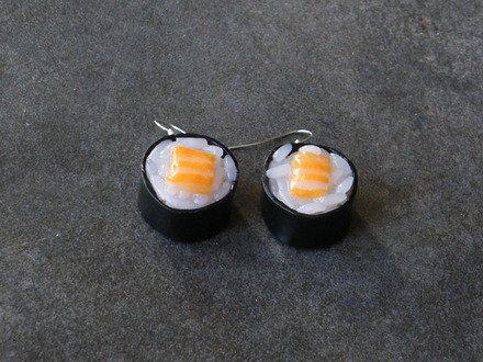 Boucle d'oreille Maki au saumon en fimo Argent 925