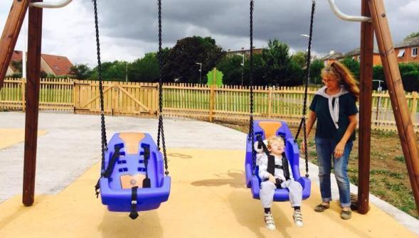 Arras installe sa première balançoire pour enfants handicapés