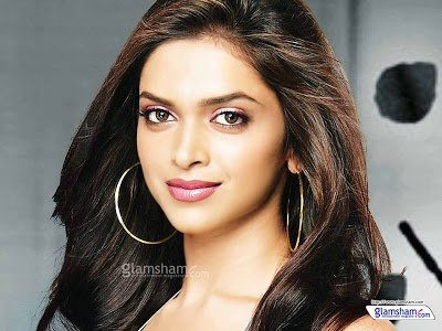 Bollynews247: Shahrukh make me feel special dream Deepika Padukone