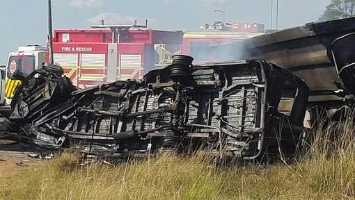 Vingt écoliers tués dans un accident de bus en Afrique du Sud