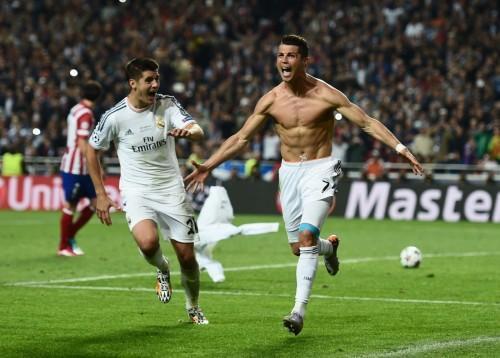 Ligue des Champions Torse nu Célébration de Cristiano Ronaldo a pu être un film Stunt / zalkopp.com