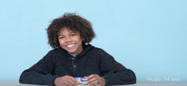 Quand des garçons découvrent une boîte de tampons - Influencia