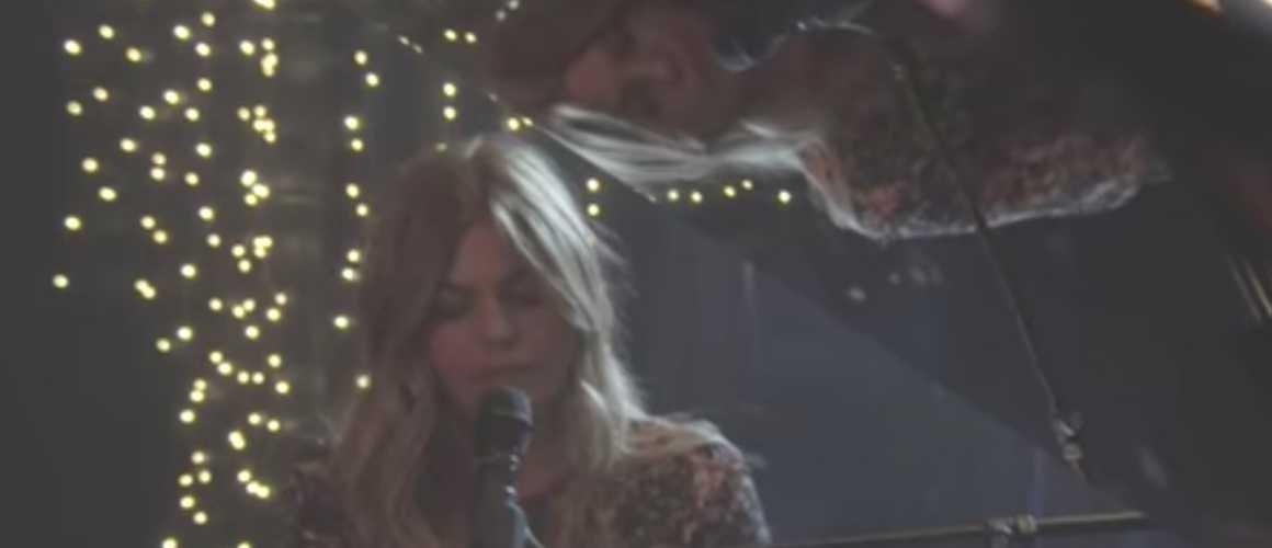 Louane : son émouvante chanson à ses parents disparus (VIDEO)