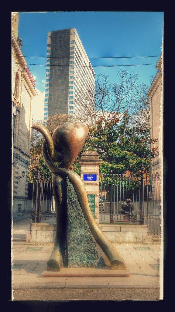 Sculptures monumentales en bronze d´Olivier Strebelle au Parc d'Egmont  - LNO
