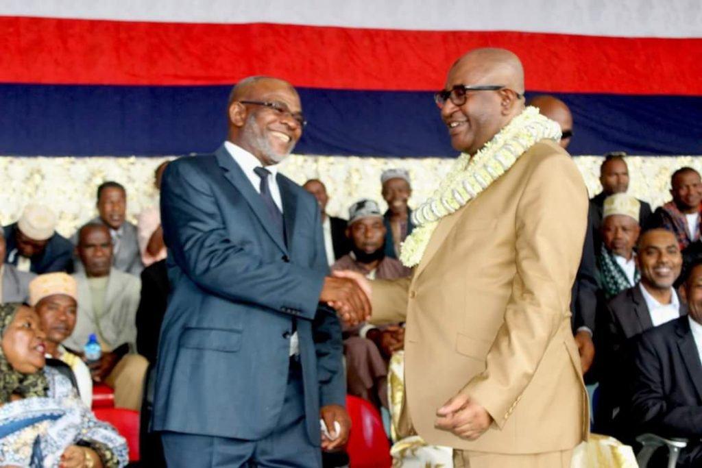 Azali prie la communauté internationale d'aller voir ailleurs | Comores Infos