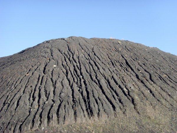Il y a 35 ans: l' explosion du terril de la fosse 6 de Calonne Rico...