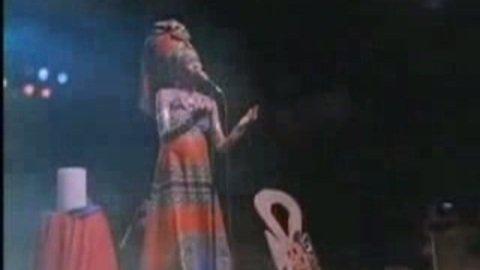 Erykah Badu - Tyrone (live)