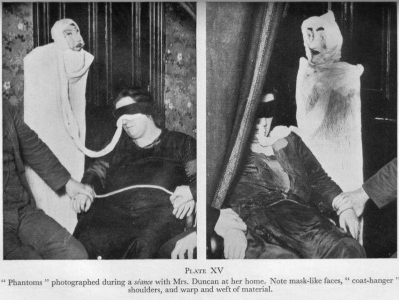 Ectoplasm (paranormal) - Wikipedia