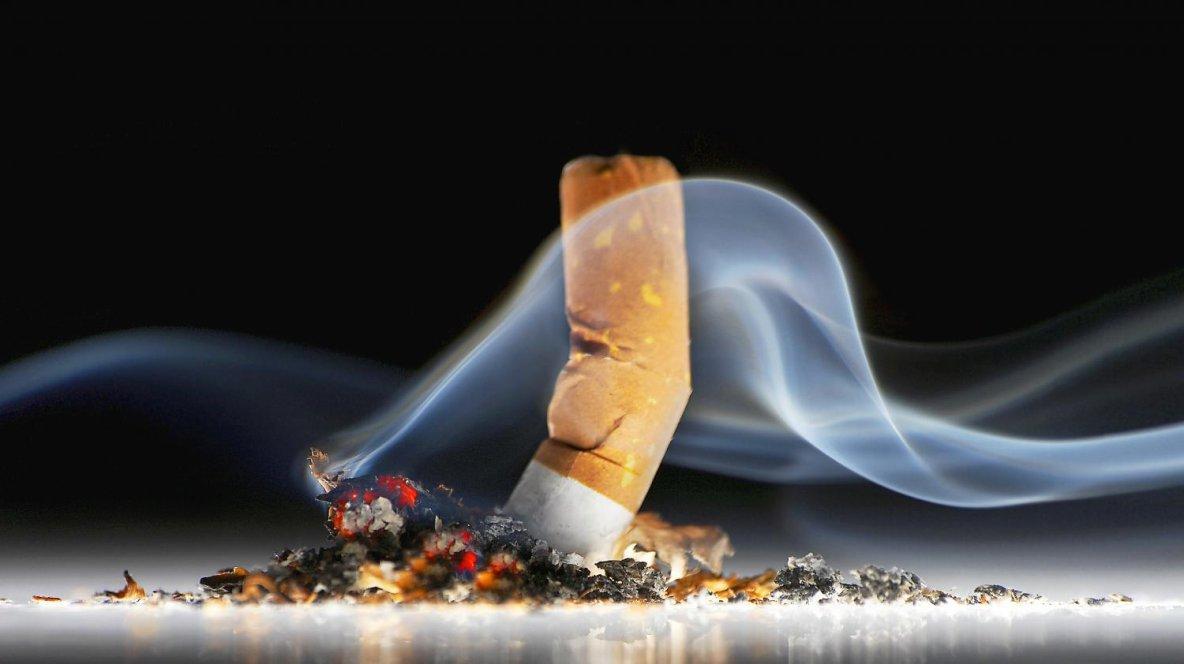 Crottes de souris, cheveux, ciment... ce que contiennent les cigarettes de contrefaçon