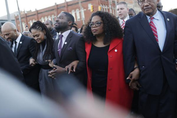'Selma' stars including Oprah march in Alabama, honoring MLK