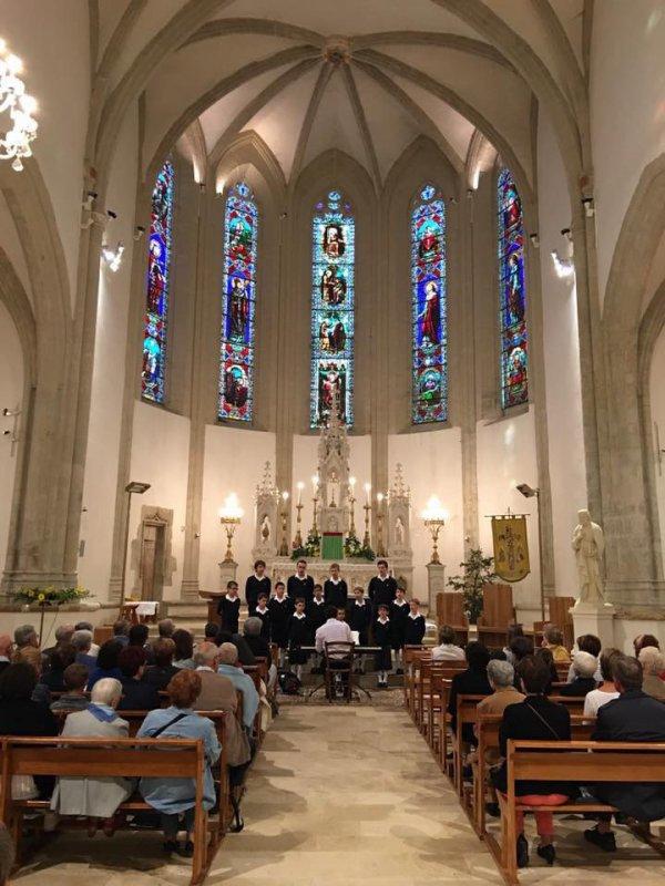 Les Petits Chanteurs de Nogent-sur-Marne - Les Moineaux du Val-de-M...
