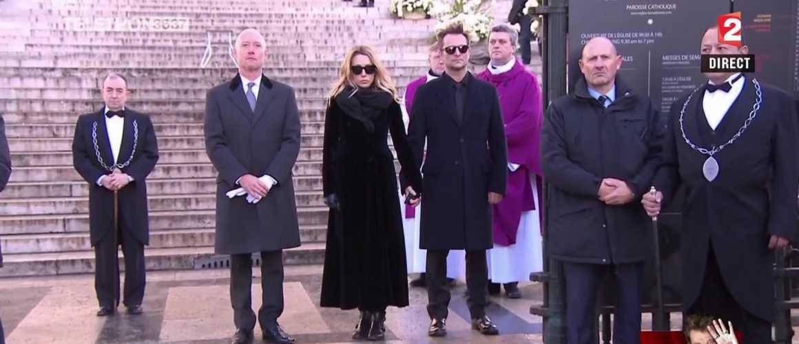 Johnny Hallyday : Laura et David auraient failli ne pas assister à l'hommage populaire à la Madeleine !