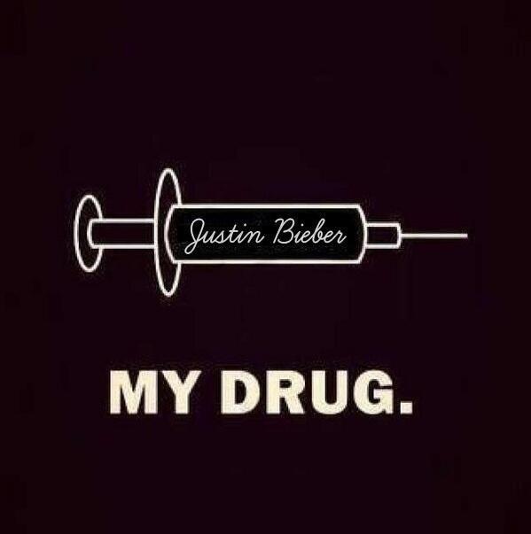 trop vrai sur twitter il y en a qui dise quond et drogué les beliebers et ba oui on et drogué a justin (l)