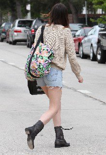 2011 05 16   Ali Lohan out and about candids in Venice Beach   0012