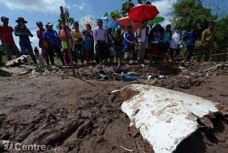 Accident d'avion au Laos: plus de la moitié des corps retrouvés